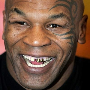 Mike-Tyson-Headbutted-by-Pet-Tiger